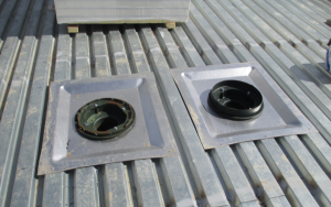 The roof system designer should work with the plumbing engineer to ensure the sump pans are provided by the roof drain manufacturer.