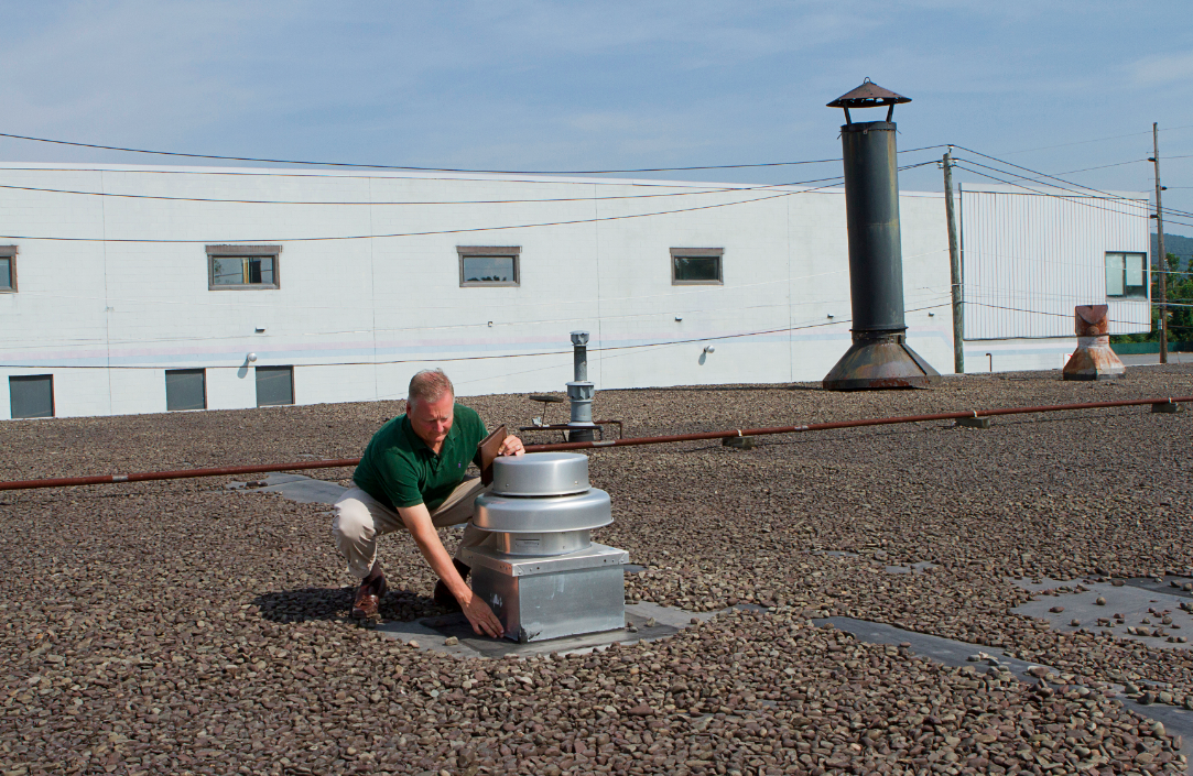 Roof Consultant Mark Sobeck Inspects A 35 Year Old Ballasted EPDM Roof On A
