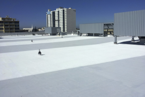 Using a composite built-up/ modified bitumen roof system provides redundancy helping ensure durability and longevity. Surface reflectivity and a multilayer insulation layer provide excellent thermal resistance. Quality details and regular maintenance will provide long-term performance. PHOTO: Advanced Roofing