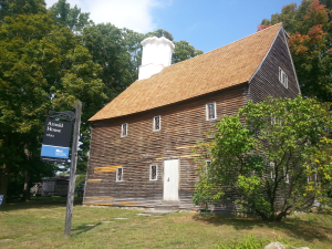 From the New England Salt Box to the Dutch-vernacular homes of upstate New York, the earliest structures in the American colonies were roofed with wood shingles.