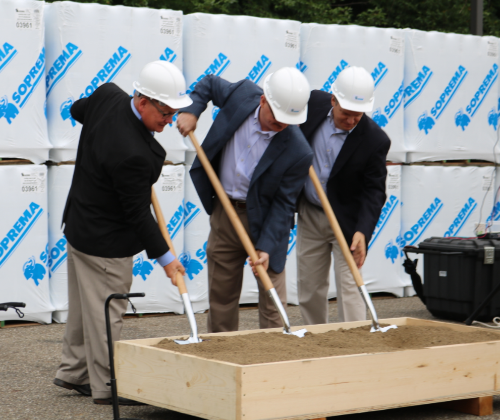 SOPREMA breaks ground for a new construction project.