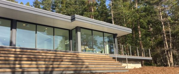 Living Roof Helps Orcas Island Home Blend into the Landscape